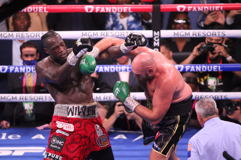 Dev maçta Fury, Wilder'ı nakavtla yendi  - 4. Foto