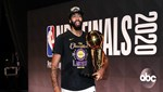 Anthony Davis Los Angeles Lakers'ta kalıyor