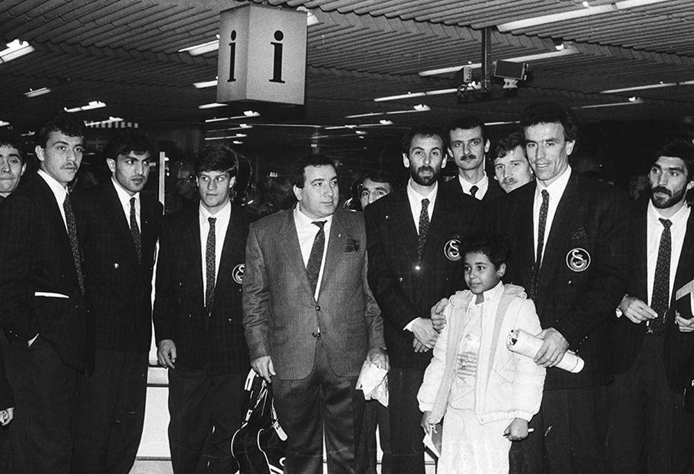 Galatasaray'ın unutulmaz futbolcusu Erhan Önal vefat etti  - 4. Foto