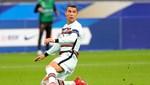 Ronaldo ambulans uçakla Torino'ya gitti