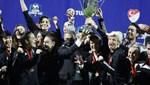 Şampiyon Beşiktaş Vodafone kupasını aldı