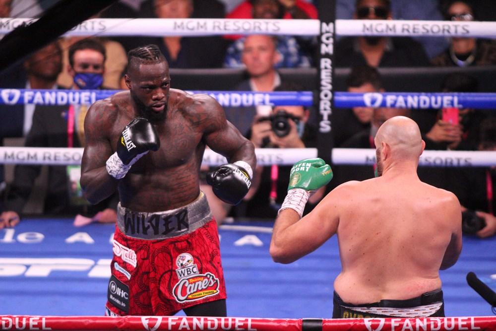 Dev maçta Fury, Wilder'ı nakavtla yendi  - 7. Foto