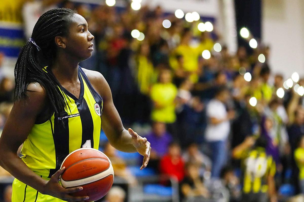 Elizabeth Williams, Fenerbahçe'ye döndü