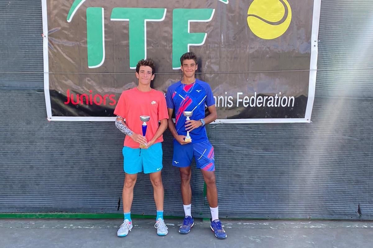 Genç tenisçiler Bakü'de şampiyon