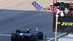 Lewis Hamilton, kırmızıda geçti