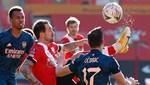 Southampton son şampiyon Arsenal'i kupa dışına itti
