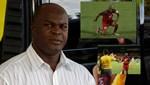 61 yaşındaki Surinam başkan yardımcısı sahada!