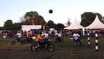 Futbolla motocross birleşti