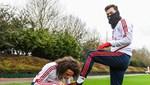 Mesut Özil'e sözleşme yenilememe kararı