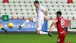 Antalyaspor'da savunmanın kalesi Veysel Sarı