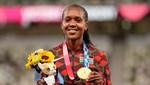 Faith Kipyegon 33 yıllık olimpiyat rekorunu kırdı