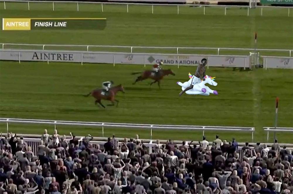 İngilizlerin unicorn'lu eğlencesi viral oldu!  - 10. Foto