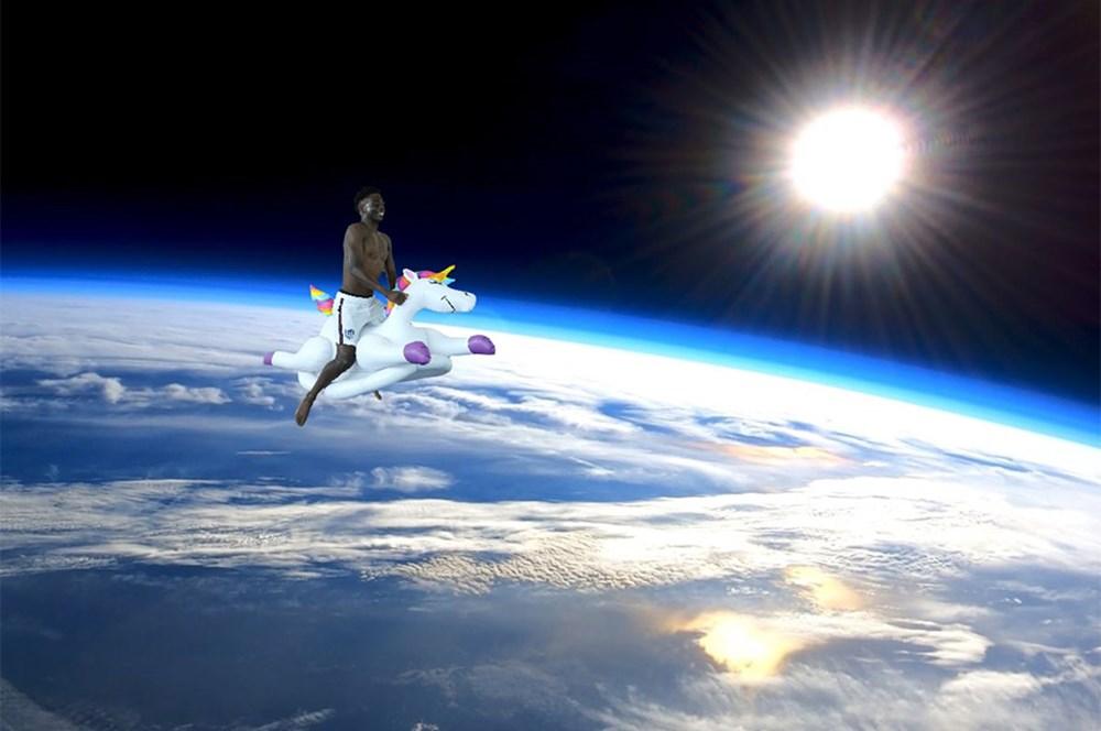 İngilizlerin unicorn'lu eğlencesi viral oldu!  - 16. Foto