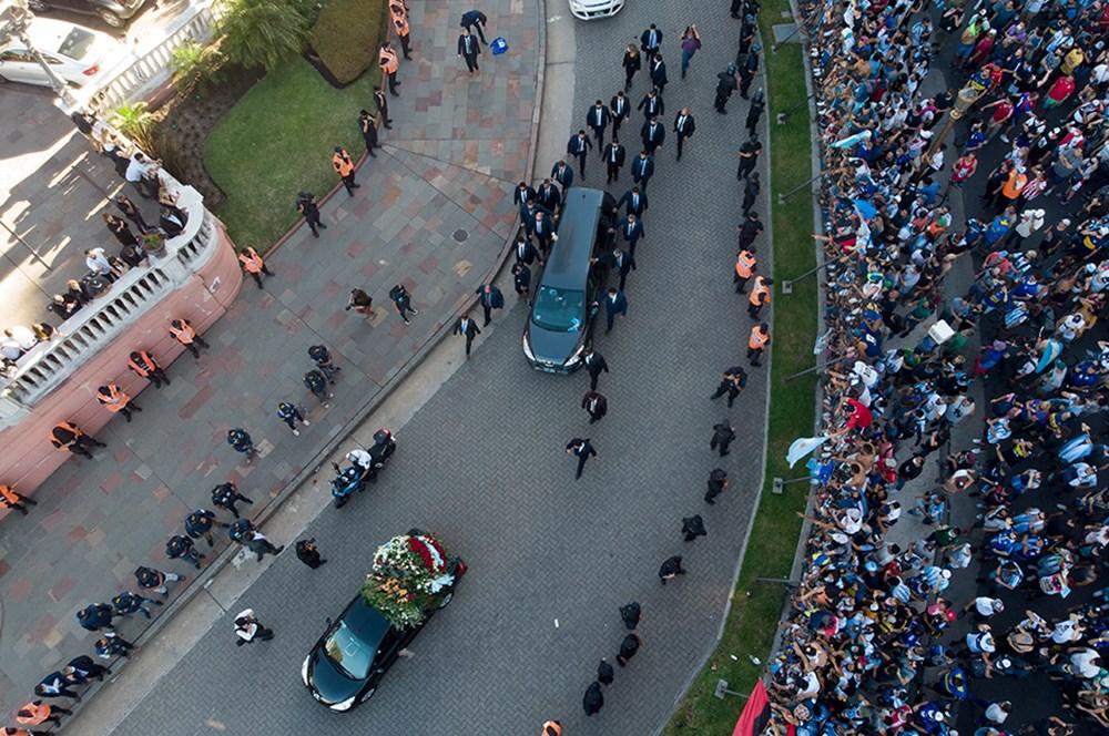 Maradona son yolculuğuna uğurlandı  - 5. Foto