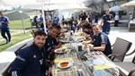Fenerbahçeli futbolcular barbeküde buluştu