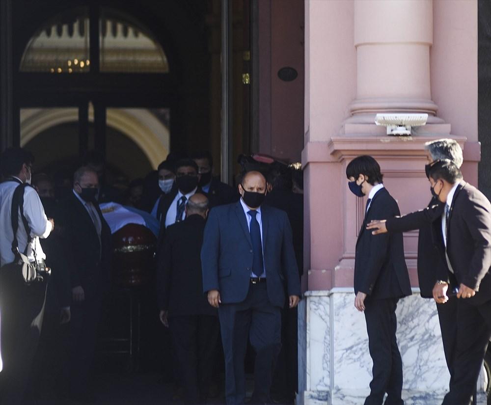 Maradona son yolculuğuna uğurlandı  - 7. Foto