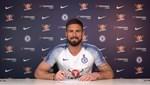 Chelsea, Giroud'un sözleşmesini uzattı