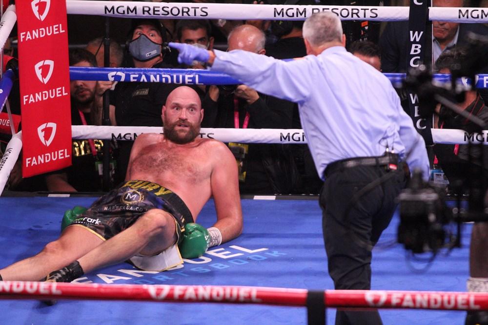 Dev maçta Fury, Wilder'ı nakavtla yendi  - 11. Foto