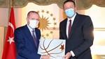 Türkoğlu'ndan Cumhurbaşkanı Erdoğan'a kitap takdimi