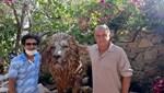 Fatih Terim'e özel aslan heykeli
