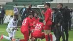 Futbolcular sakatlık molasında iftar yaptılar