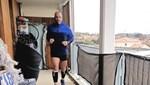 7 metrelik balkonda maraton koştu