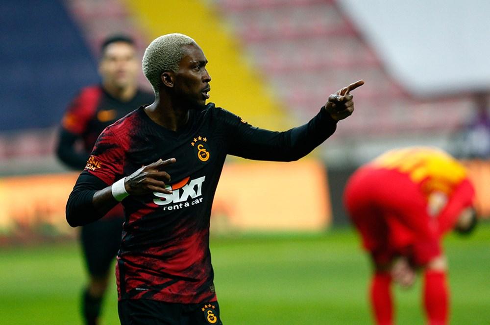 Galatasaray'da 12 futbolcunun sözleşmesi sona eriyor  - 11. Foto