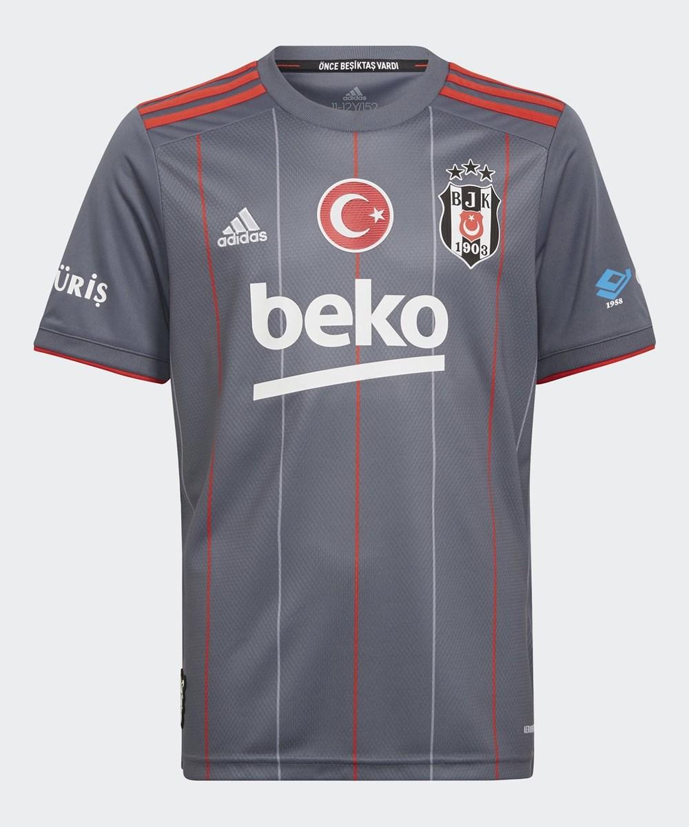 İşte Beşiktaş'In Yeni Sezon Formaları - 2. Foto