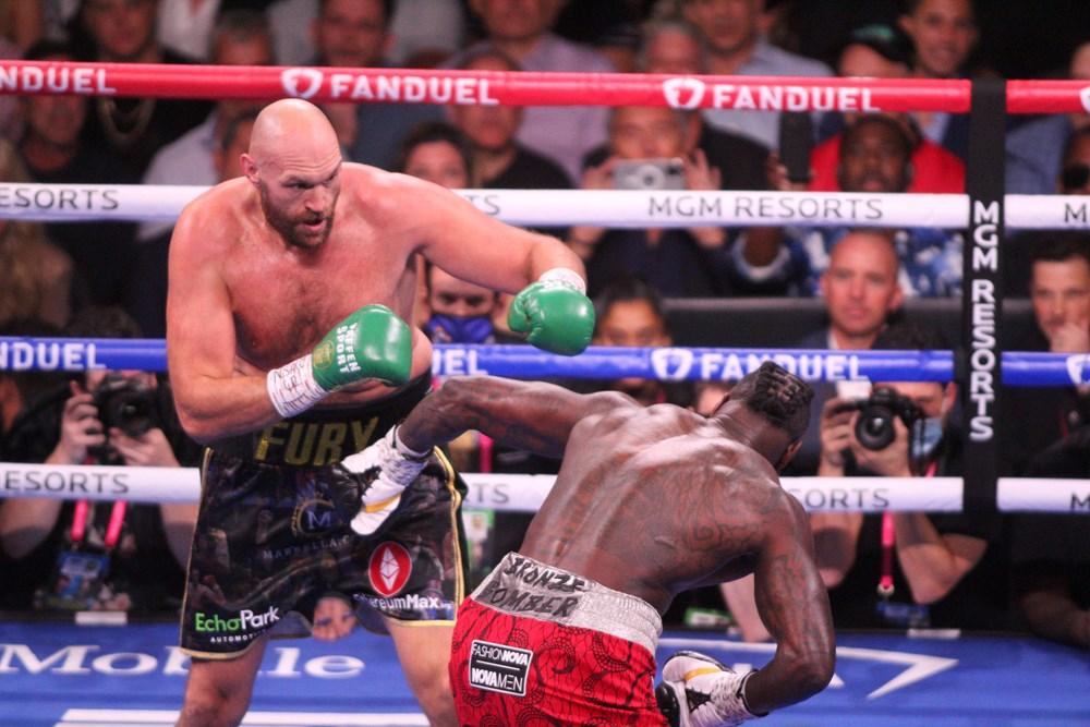 Dev maçta Fury, Wilder'ı nakavtla yendi  - 12. Foto