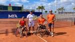 Dışişleri Bakan Yardımcısı Kaymakcı, Antalya'daki tekerlekli sandalye tenis turnuvasında gösteri maçı oynadı
