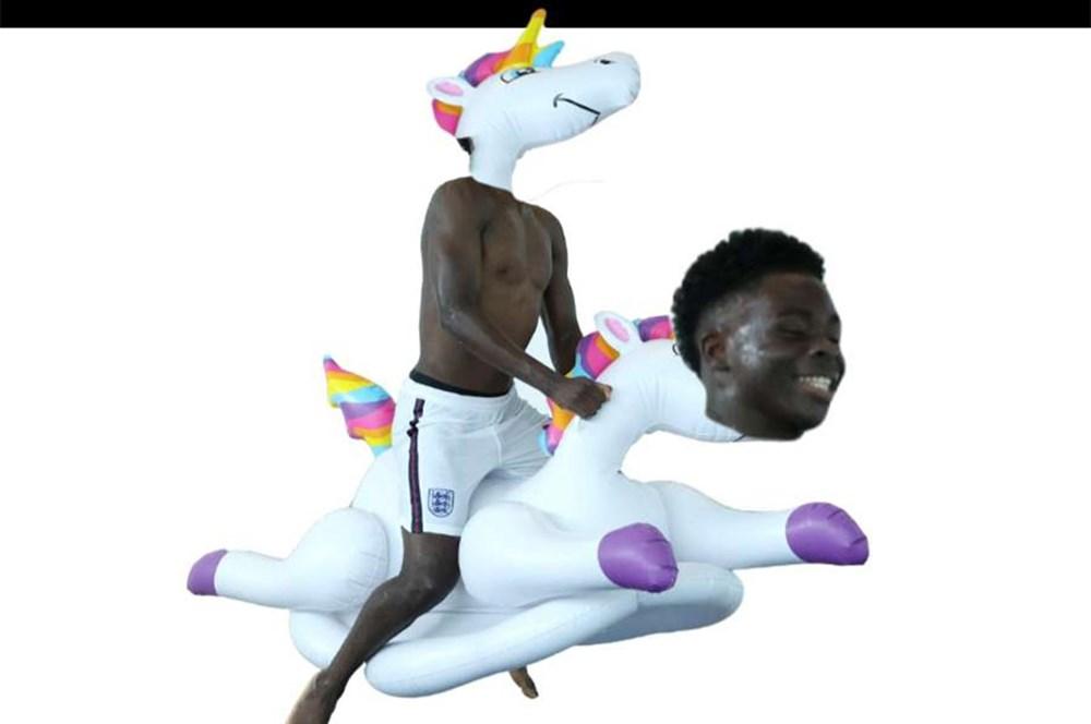 İngilizlerin unicorn'lu eğlencesi viral oldu!  - 8. Foto