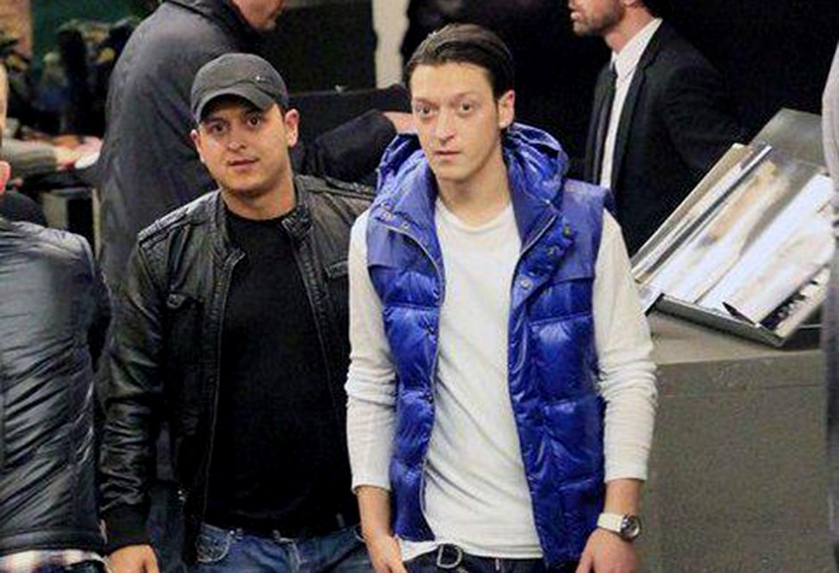 Mesut Ozil In Agabeyinden Fenerbahce Paylasimi Ntvspor Net