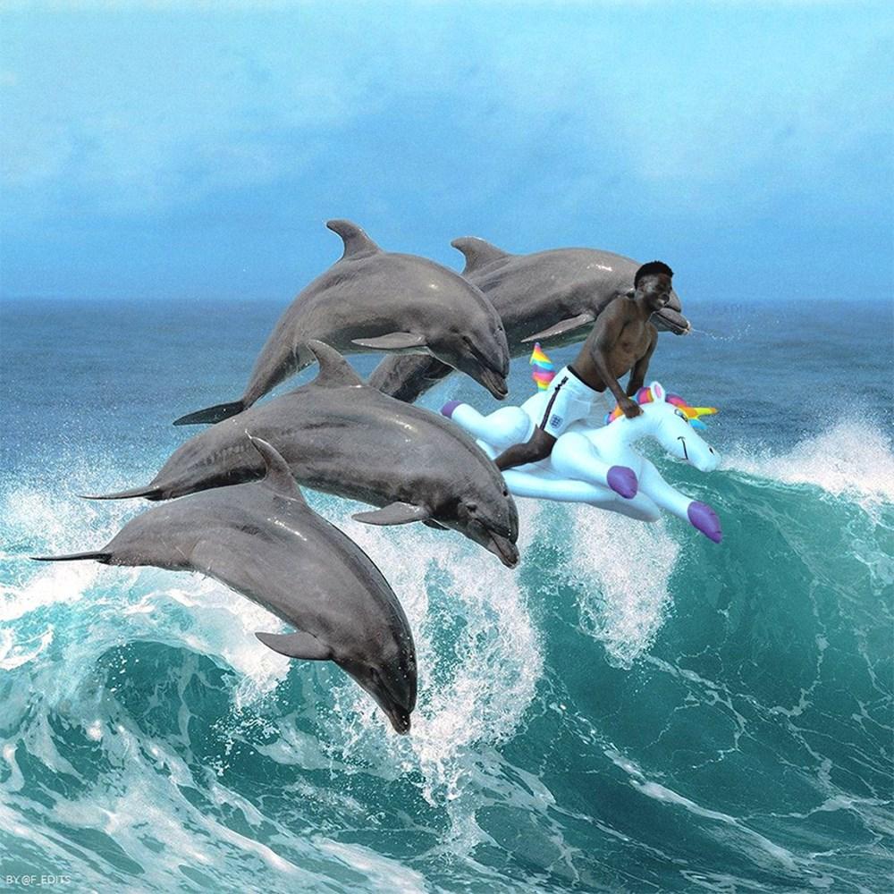 İngilizlerin unicorn'lu eğlencesi viral oldu!  - 30. Foto