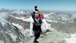 Arkadaşını kaybettiği dağın zirvesine çıkıp rekor kırdı